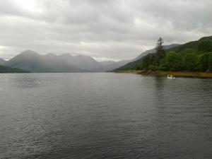 am Loch entlang