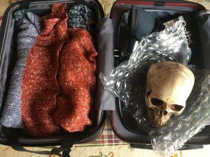 Totenschädel im Koffer